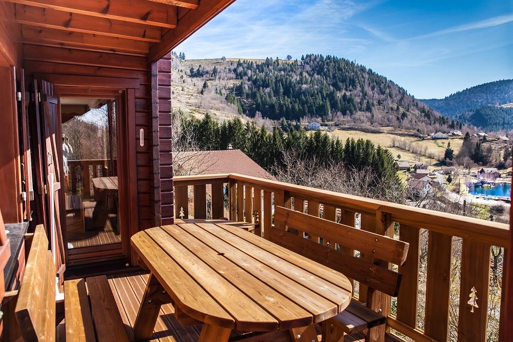 Terrasse en bois dans les Vosges